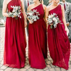 Stunning one shoulder bridesmaid dress!